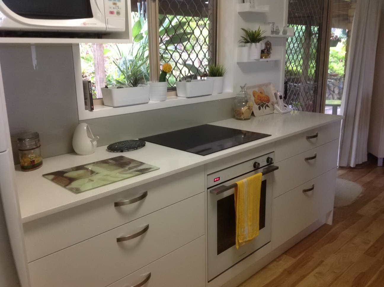 Kitchen Renovations - Gold Coast - Kitchen Brokers Queensland - Maureen - Highland Park