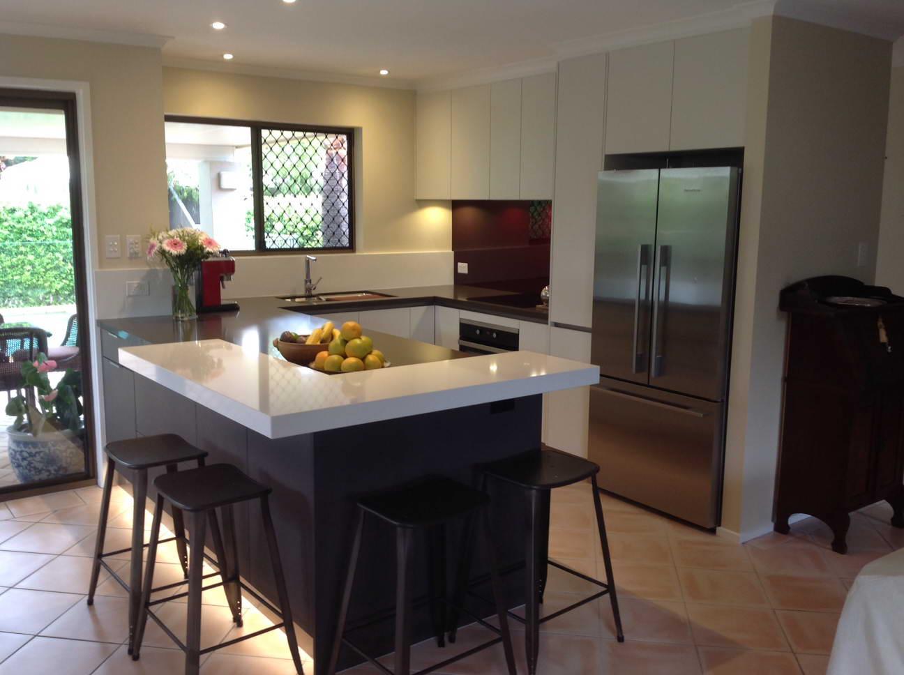 Kitchen renovations kitchen designs gold coast for Kitchen designs gold coast