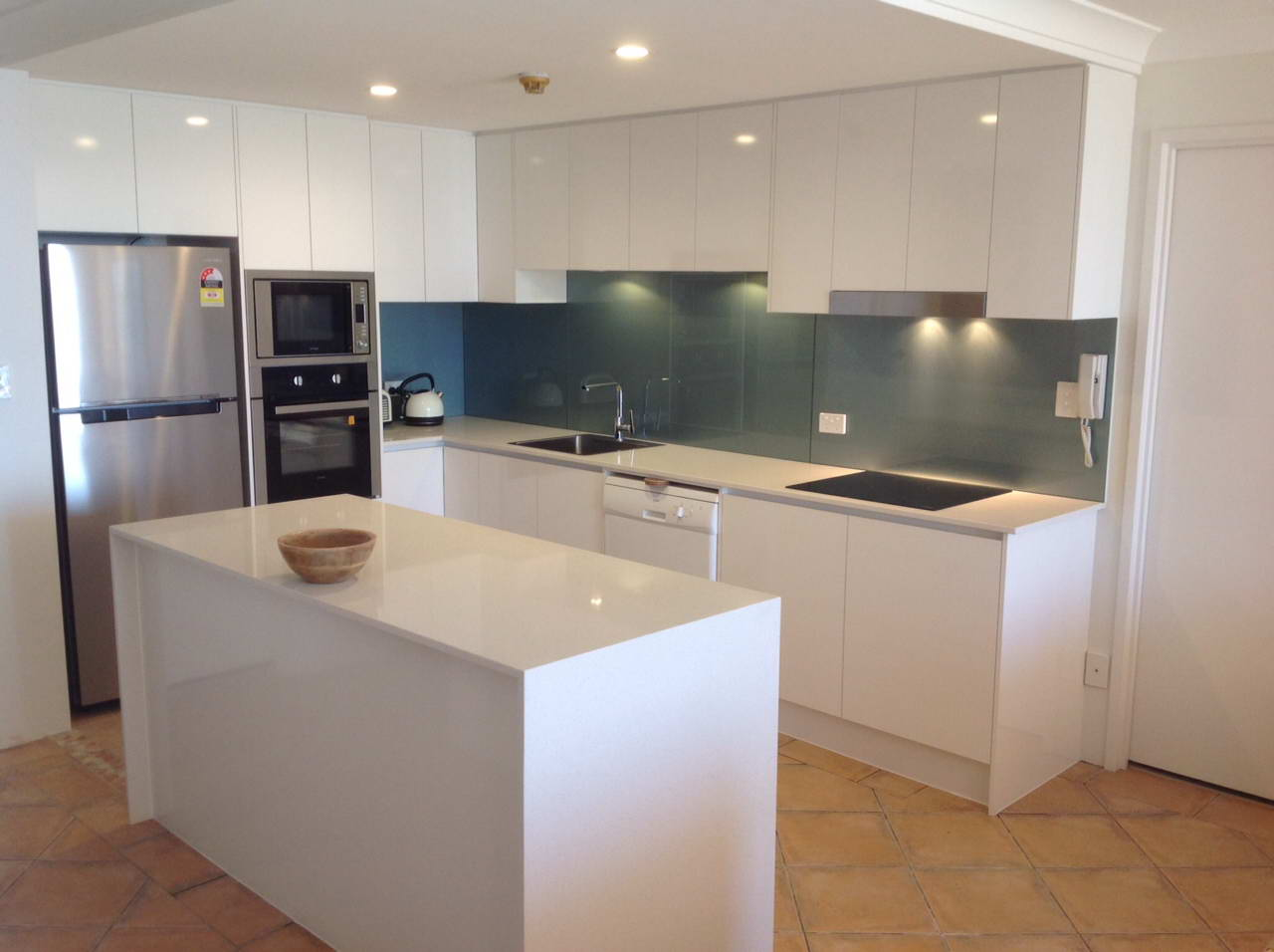 Kitchen Renovations - Gold Coast - Kitchen Brokers Queensland - Roy & Rae - Tugun