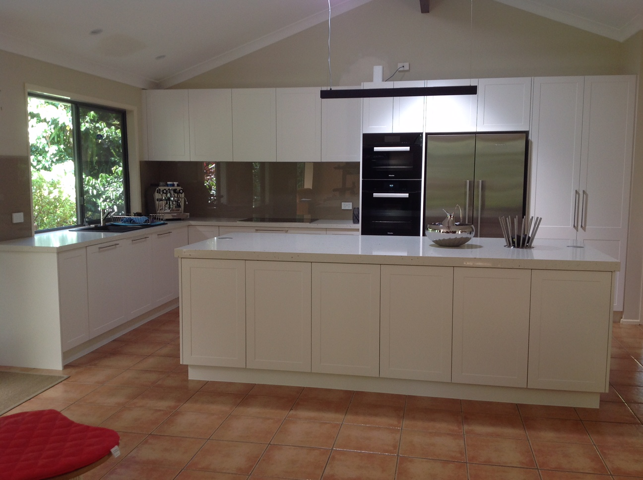 Kitchen renovations - Gold Coast - Surfers Paradise - (before - after)